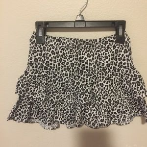 NWT Girls Skirt Black and nite print Sizes 6 & 5